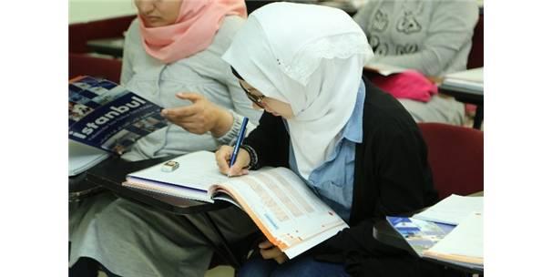 UNESCO İş Birliği ile Mültecilere Eğitim Projesi Başlıyor