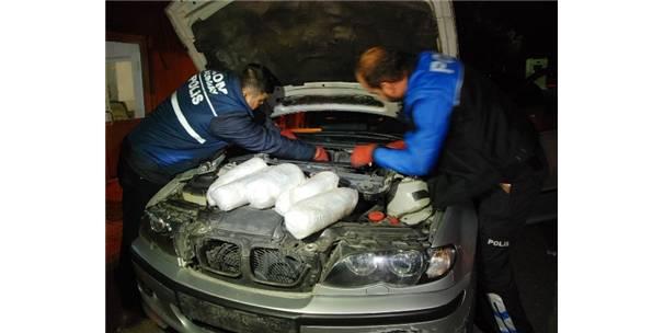 Otomobilin Zulasından 15 Kilo Esrar Çıktı