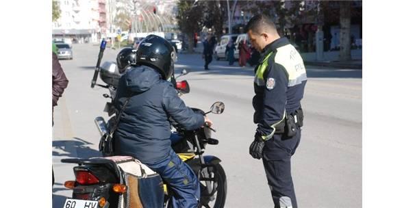 Tokat'ta Motosiklet Sürücülerine Yönelik Uygulamalar Sıklaştırıldı