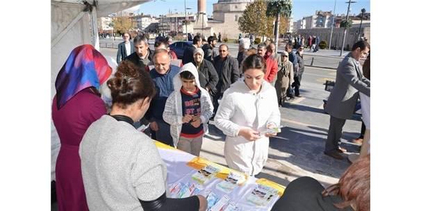Sivas'ta Ücretsiz Diş Fırçası Ve Macunu Dağıtıldı