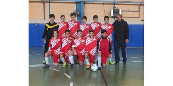 Bozüyük'te Futsal Şampiyonu M. Akif Ersoy Ortaokulu Oldu