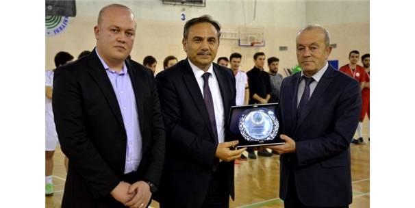 Bolulu Şehit Ozan Özen Anısına Futbol Turnuvası Düzenlendi