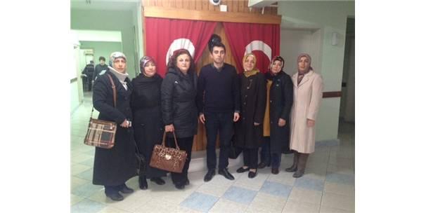 Ak Parti Osmaneli Kadın Kollarından İlçe Emniyet Müdürlüğüne Taziye Ziyareti