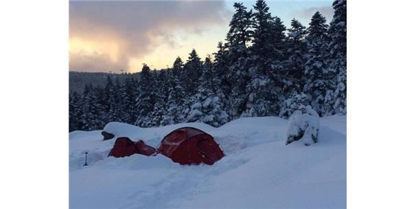 Uludağ'da -18 Derecede Kamp...İçecekler Bile Buz Tuttu