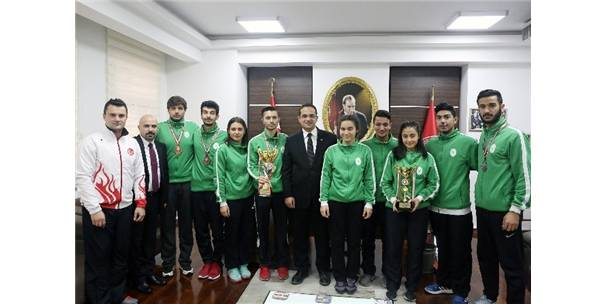 Başarılarıyla İzmir'in Adını Tüm Türkiye'ye Duyurdular