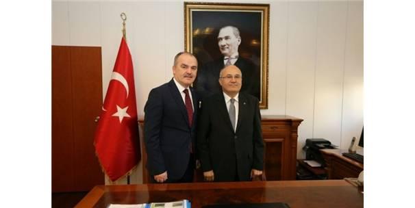 Başkan Gürlesin'den Yeni Kaymakam Balcıoğlu'na Hayırlı Olsun Ziyareti