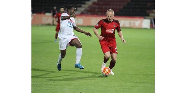 Gaziantepspor'da Larsson ile yollar ayrıldı