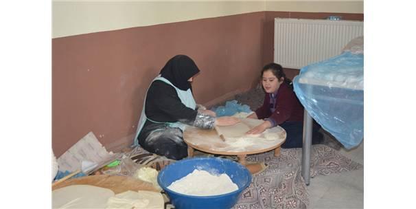 Kulu'da Halep İçin Yardım Kermesi Düzenlendi