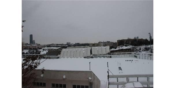 Okulun çatısı kar nedeniyle çöktü 21