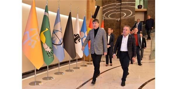 Başkan Böcek'ten Türel'e 'Hayırlı Olsun' Ziyareti