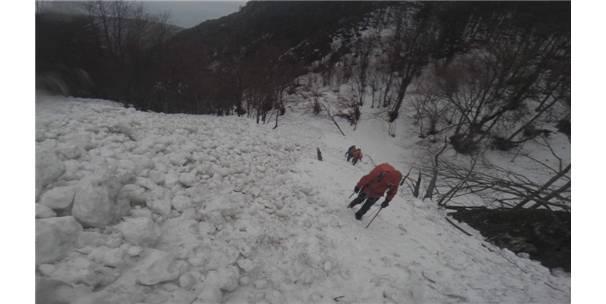 Dağcıların Uludağ'da Çığ Bölgesinden Müthiş İnişi