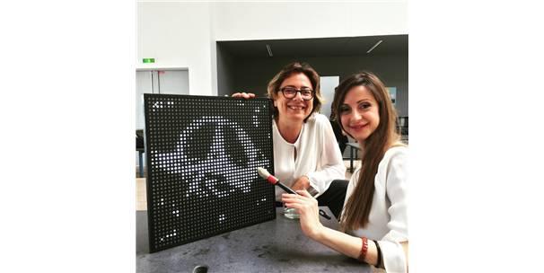 Tasarımcı Ayşe Ören'e Fransa'dan 'Geleceğin Lideri' Ödülü