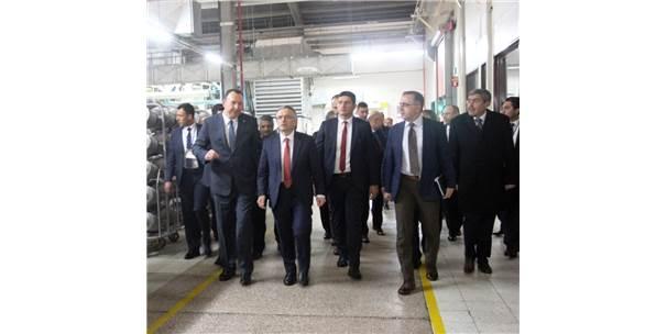 Bakan Ağbal Fabrika İşçileriyle Buluştu