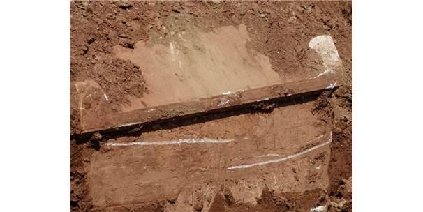 İnşaat Kazısında Roma Dönemine Ait 3 Mezar Bulundu