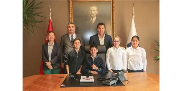 Öğrencilerden Başkan Kocadon'a Ziyaret