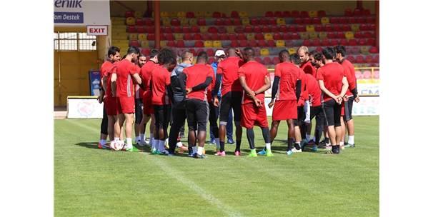 Evkur Yeni Malatyaspor Göztepe Maçını Bekliyor