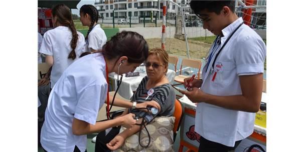 Edremit'te Mesleki Uygulamalar Ve Sağlık Eğitimi Fuarı Düzenlendi