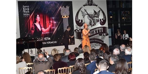 """""""Bozkır'ın Tezenesi"""" Donizetti Klasik Müzik Ödülleri Gecesinde Unutulmadı"""