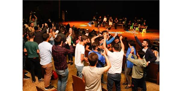 Genç Seslerden Unutulmayacak Performans
