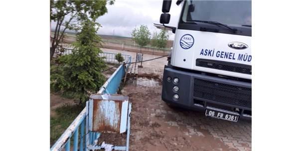 Ankara'da Şiddetli Yağmur Hayatı Olumsuz Etkiledi