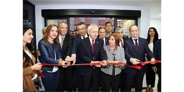 Kılıçdaroğlu, Zübeyde Hanım Eğitim Ve Kültür Evi'nin Açılışını Gerçekleştirdi