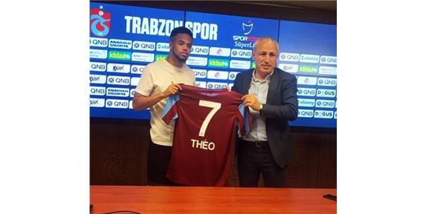 Trabzonspor'un Yeni Transferi Theo Bongonda İmzaladı