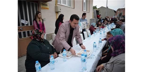 Ortak İftar Coşkusu Yenidoğan Mahallesi'nde Yaşandı