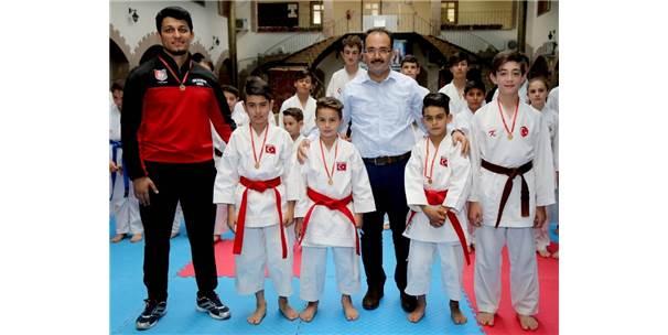 Uşak'tan 4 Balkan Şampiyonu Çıktı