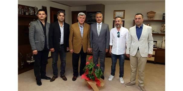 """Başkan Karaosmanoğlu, """"Dünyanın İlk On Ekonomisi İçerisine Gireceğiz"""""""