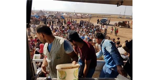 İhh'dan Zoğara Kampı'ndaki Suriyelilere 10 Bin Kişilik İftar