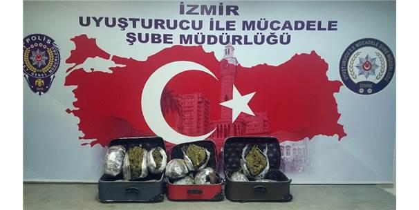 İzmir'de Uyuşturucu Operasyonu: 4 Tutuklu