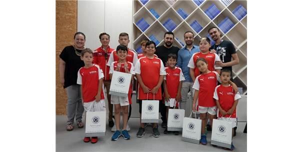 Geleceğin Yıldız Futbolcuları Sanal Gerçeklik Deneyiminde