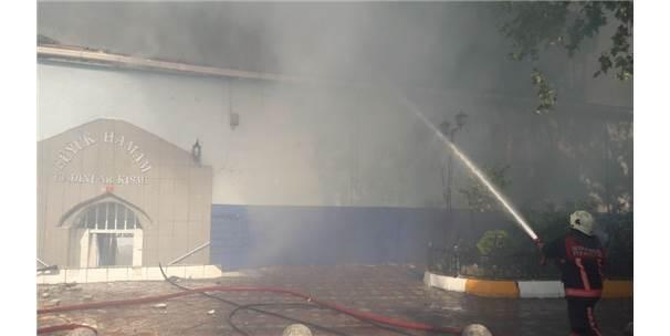 Beyoğlu'nda Kadınlar Hamamında Yangın