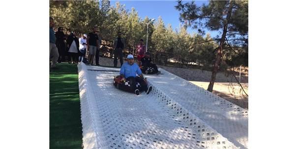 Karsız Kayak Pisti Ve Hava Bisikleti Oyun Gruplarının Montajına Başlandı