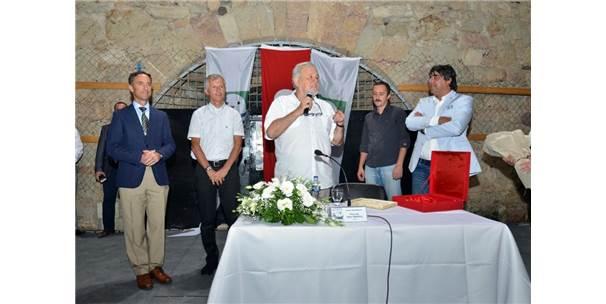 Foça'da İlber Ortaylı'ya Büyük İlgi