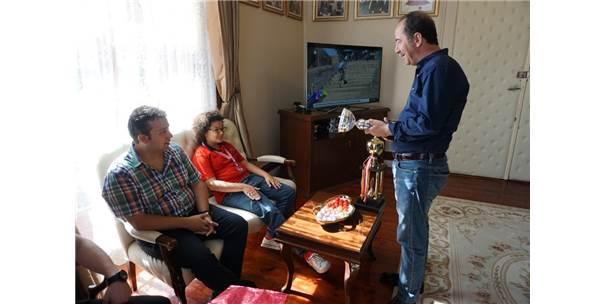 Satrancın Şampiyonlarından Gürkan'a Ziyaret