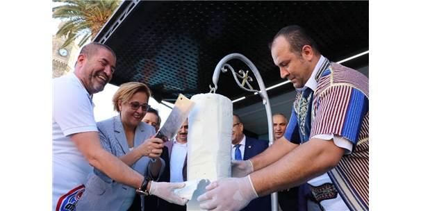 İzmir'de Maraş Dondurması Çılgınlığı
