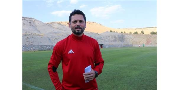 Erol Bulut, E.Y. Malatyaspor'un Başında İlk Antrenmanına Çıktı