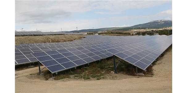 Yurt İzni Alamayınca Güneş Enerji Tarlası Kurdu