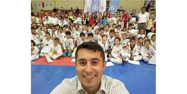 Ayvalık'ta Taekwondo Kuşak Sınavı