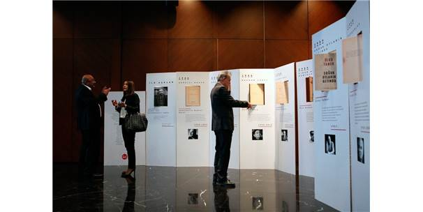10. Uluslararası İstanbul Şiir Ve Edebiyat Festivali Beyoğlu'nda Başladı
