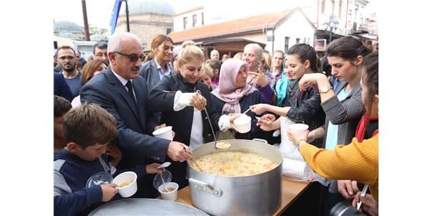 Aşure Kazanları Balkanlar'da Kardeşlik İçin Kaynadı