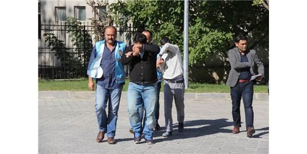 8 İlde 34 Ev Soyan Hırsızlar 67 Güvenlik Kamera Kaydı İncelenerek Yakalandı