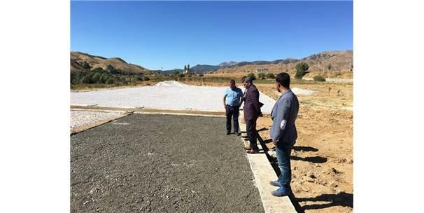 Kaymakam Ve Belediye Başkan Vekili Özkan, Yolalan'da Ki Çalışmalarını Yerinde İnceledi