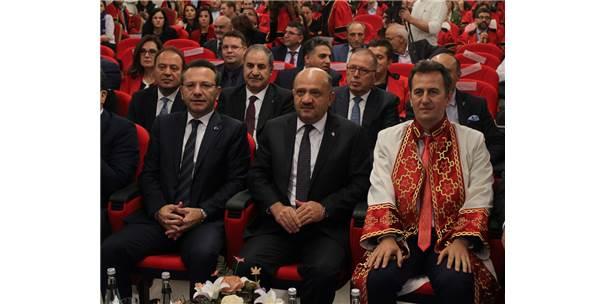 """""""Yabancı Dili Çok İyi Öğrenin Ama Lütfen Türkçe Konuşun"""""""