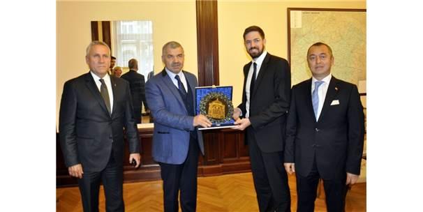 Başkan Çelik Macaristan'da