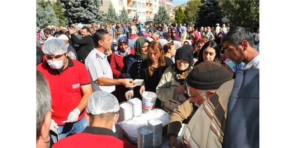 Akşehir Belediyesinden Aşure İkramı