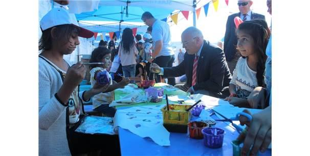 Mutlu Pati Şenliği'nde Çocuklar Doyasıya Eğlendi