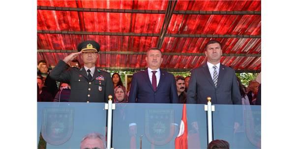 Burdur'da Bin 280 Acemi Er Yemin Etti
