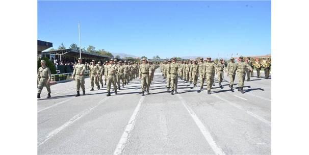 59. Topçu Eğitim Tugayı Komutanlığında Eğitim Gören 3 Bin 18 Asker Yemin Etti